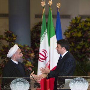 Il presidente dell'Iran Hassan Rouhani con il premier italiano Matteo Renzi, il 26 gennaio 2016 a Roma