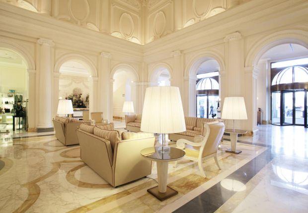 La hall dell'Hotel Boscolo Exedra di Roma