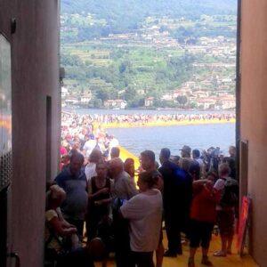 Floating Piers visti da Peschiera Maraglio-Montisola