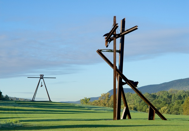 View of the South Fields, all works byMarkdiSuvero. Pyramidian, 1987/1998. Gift of the Ralph E. Odgen Foundation. Jeanne, 2014-2015. Courtesy of the artist and Spacetime C.C., New York. Photo by Jerry L. Thompson.
