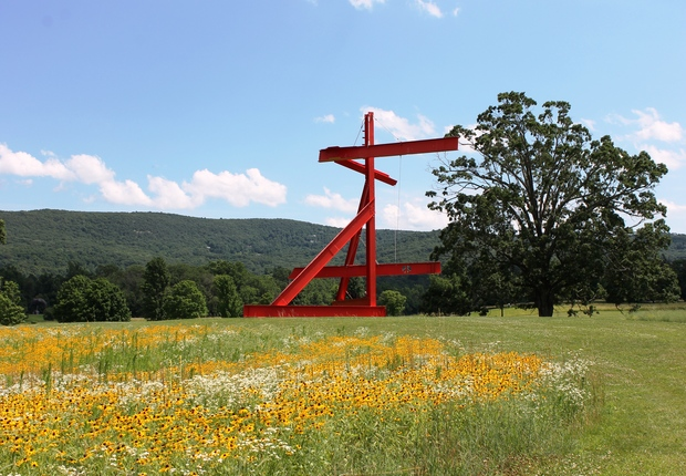 Mark di Suvero, Mother Peace, 1969–70.  Gift of the Ralph E. Ogden Foundation.  Photograph by Jerry L. Thompson.