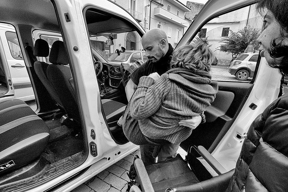 """Spostamenti e trasporti © Stefania Zamparelli per """"A Ruota Libera Onlus"""