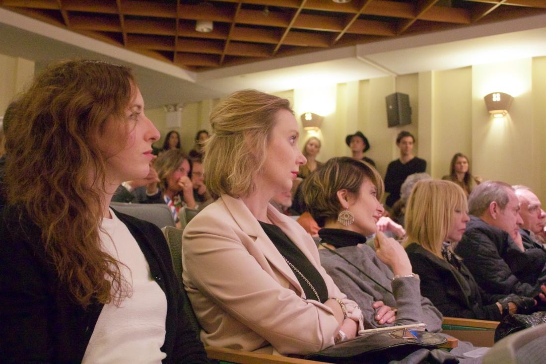 Il pubblico ascolta Stefano Vaccara. Foto: Byron Salazar