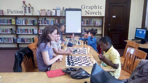 Il gioco degli scacchi per l'integrazione a New York