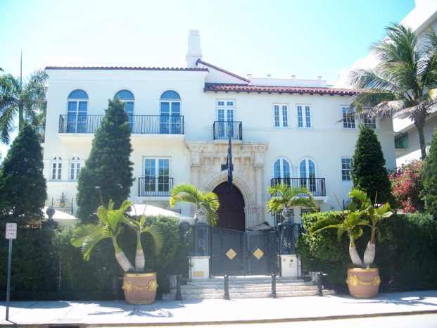 Miami_Beach_FL_Arch_Dist_Versace_Mansion01
