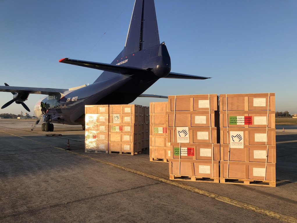 Italy, Brindisi, 24 March 2019  The Ministry of Foreign Affairs and International Cooperation of Italy is supporting thousands of people affected by Cyclone Idai through IOM.  In the photo: the humanitarian cargo of blankets, jerry cans, tents and generators gets ready to fly to Beira, Mozambique to support victims of the Cyclone Idai.  Photo: WFP/Andrea Tornese
