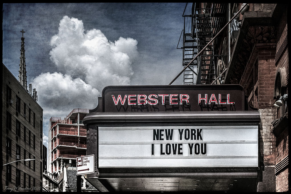 New York, I Love You, East Village (Foto di Terry Sanders)