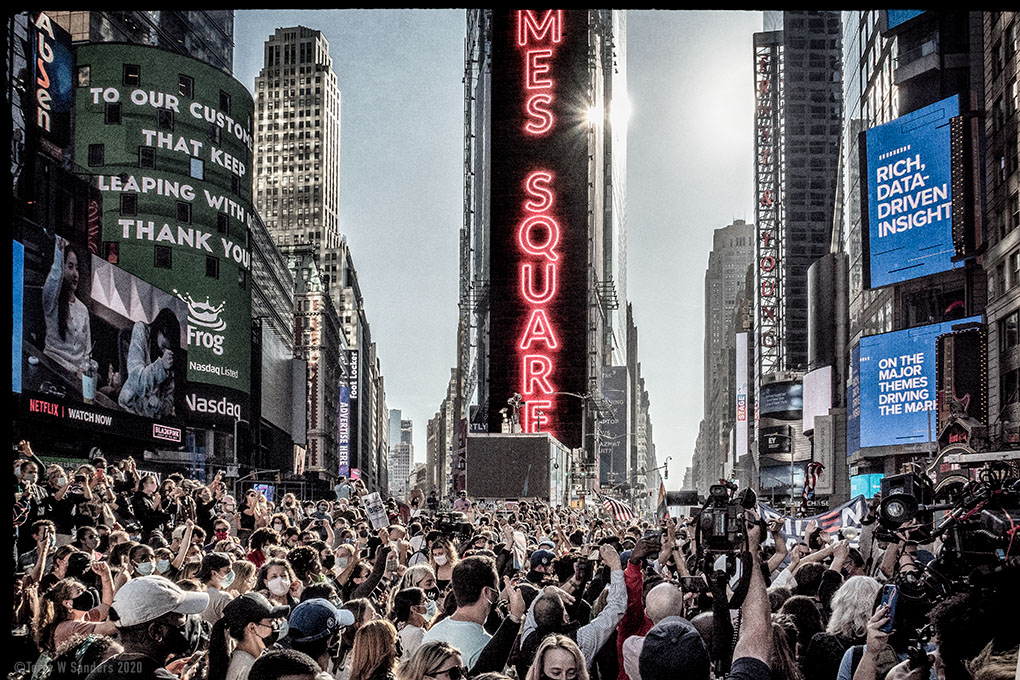Times Square, picture by Terry Sanders