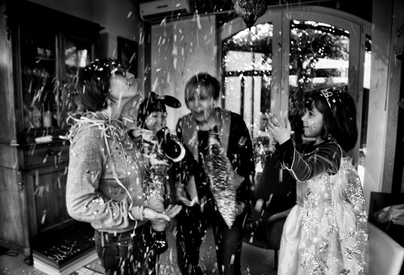 Una pioggia di coriandoli per celebrare il carnevale