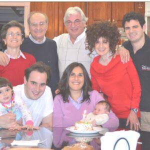 Nella foto, un ritratto di famiglia DeCicco,