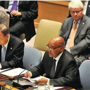 Jacob Zuma con accanto il segretario generale dell'ONU Ban Ki-Moon