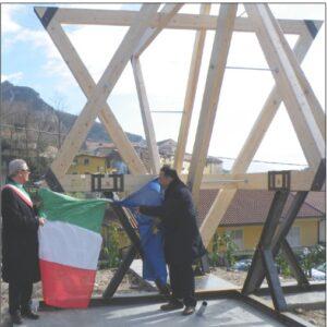 Nelle foto, Gianni Pittella e Biagio Luongo all'inaugurazione della mostra di Campagna (Salerno)