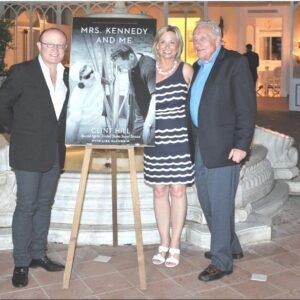 Nella foto, Franco Nuschese con Lisa McCubbun e Clint Hill a Ravello