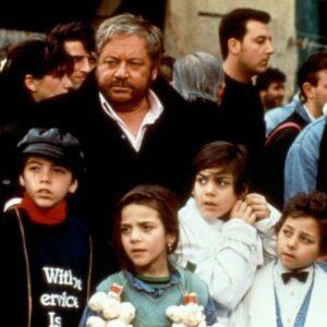 """Una immagine del film """"Ciao Professore"""" con Paolo Villaggio"""