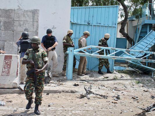 Le prime immagini della sede dell'ONU a Mogadiscio dopo l'attacco