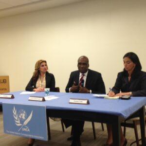 La conferenza stampa del neo eletto Presidente dell'AG John Ashe con i giornalisti dell'UNCA. A sinistra Afaf Konja, gia' corrispondente per South South TV e ora neo portavoce del Presidente Ashe; a destra Pamela Falk, Presidente UNCA