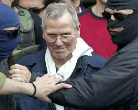 Bernardo Provenzano il giorno del suo arresto, l'11 aprile 2006