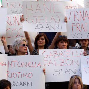 Una manifestazione di donne italiane contro il femminicidio