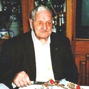 Nella foto Arturo Licata, ex minatore nato ad Enna il 2 maggio del 1902