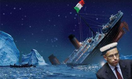 Sul blog di Beppe Grillo, lo scorso luglio appariva questa immagine del Titanic Italia del capitan Letta che affondava a causa dello scoglio debito pubblico fuori controllo