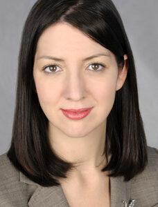Annalisa Menin nella sua immagine professionale di agente immobiliare a New York
