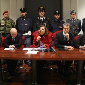 Al centro il Procuratore aggiunto Teresa Principato durante una recente conferenza stampa dedicata alle indagini per catturare Matteo Messina Denaro
