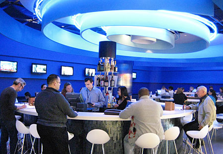 Il ristorante Deep Blue Sushi all'aeroporto JFK di New York