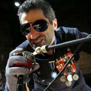 Alessandro Renda, protagonista di Noise in The Waters, in scena a La MaMa. Foto: Jonathan Slaff