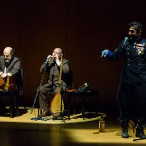I fratelli Mancuso con Alessandro Renda, durante lo spettacolo Rumore di acque. Foto: Giuseppe Malpasso