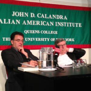 VIncenzo Scotti (a destra) durante l'intervento al Calandra, insieme al professor Ottorino Cappelli