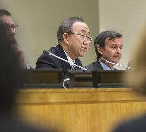 Il Segretario generale dell'ONU Ban Ki-moon e accanto l'ambasciatore Sebastiano Cardi