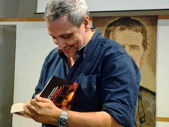Lo scrittore Maurizio De Giovanni.
