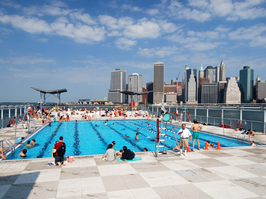 Piscine a new york come salvarsi dalla calura estiva la for Piscine new york