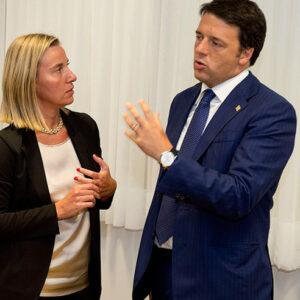 Matteo Renzi e Federica Mogherini. Foto: Tiberio Barchielli Filippo Attili