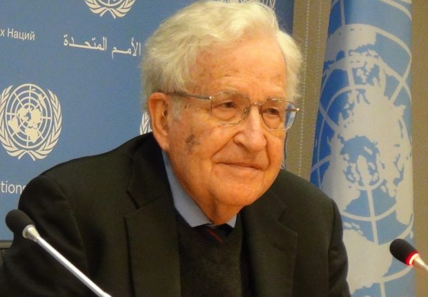 Chomsky all'ONU in conferenza stampa