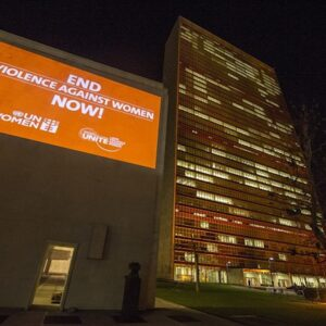 Le Nazioni Unite illuminate di arancione per la campagna Orange YOUR Neighbourhood anti-violence campaign for the International Day to End Violence against Women (Foto ONU/E. Debebe)