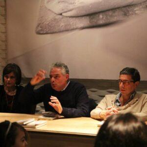 Letizia Airos, don Gennaro Matino e Antonio Monda durante la presentazione di Tetti di Sole alla pizzeria Ribalta di New York