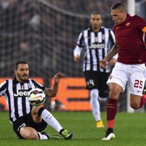Un'azione di Roma - Juventus (Foto Ansa)