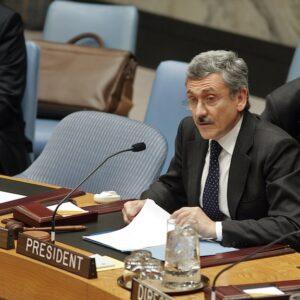 Massimo D'Alema nel 2007 al Consiglio di Sicurezza dell'ONU quando era ministro degli Esteri (Foto ONU - Eric Kanalstein)
