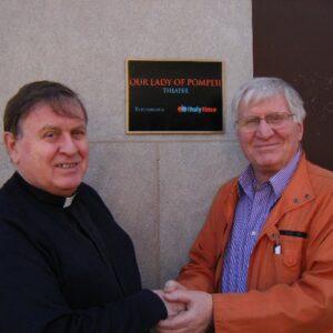 Padre Walter Tonelotto con il regista Vittorio Capotorto