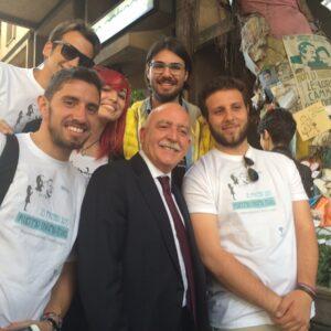 Il Procuratore Vittorio Teresi sotto l'albero di Falcone