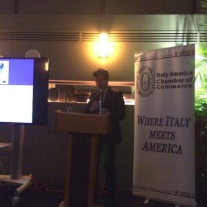 Il ministro della Giustizia Andrea Orlando parla al ristorante Gattopardo di Manhattan, durante l'evento organizzato dalla Italy America Chamber of Commerce