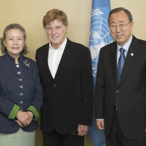 Secretary-General Ban Ki-moon (right) and his wife, Yoo Soon-taek (left) pose with Robert Redford (centre), Academy Award-winning actor and long-time conservationist. UN Photo/Evan Schneider