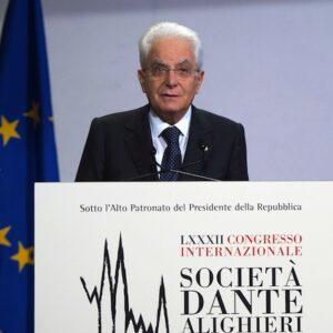 Il presidente della Repubblica Sergio Mattarella durante il suo intervento al Congresso della Dante Alighieri